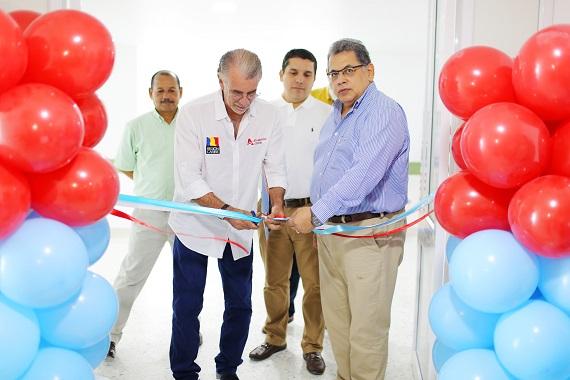 Resultado de imagen para Verano entrega obras de recuperación y modernización de servicios en el Hospital Universitario Cari ESE
